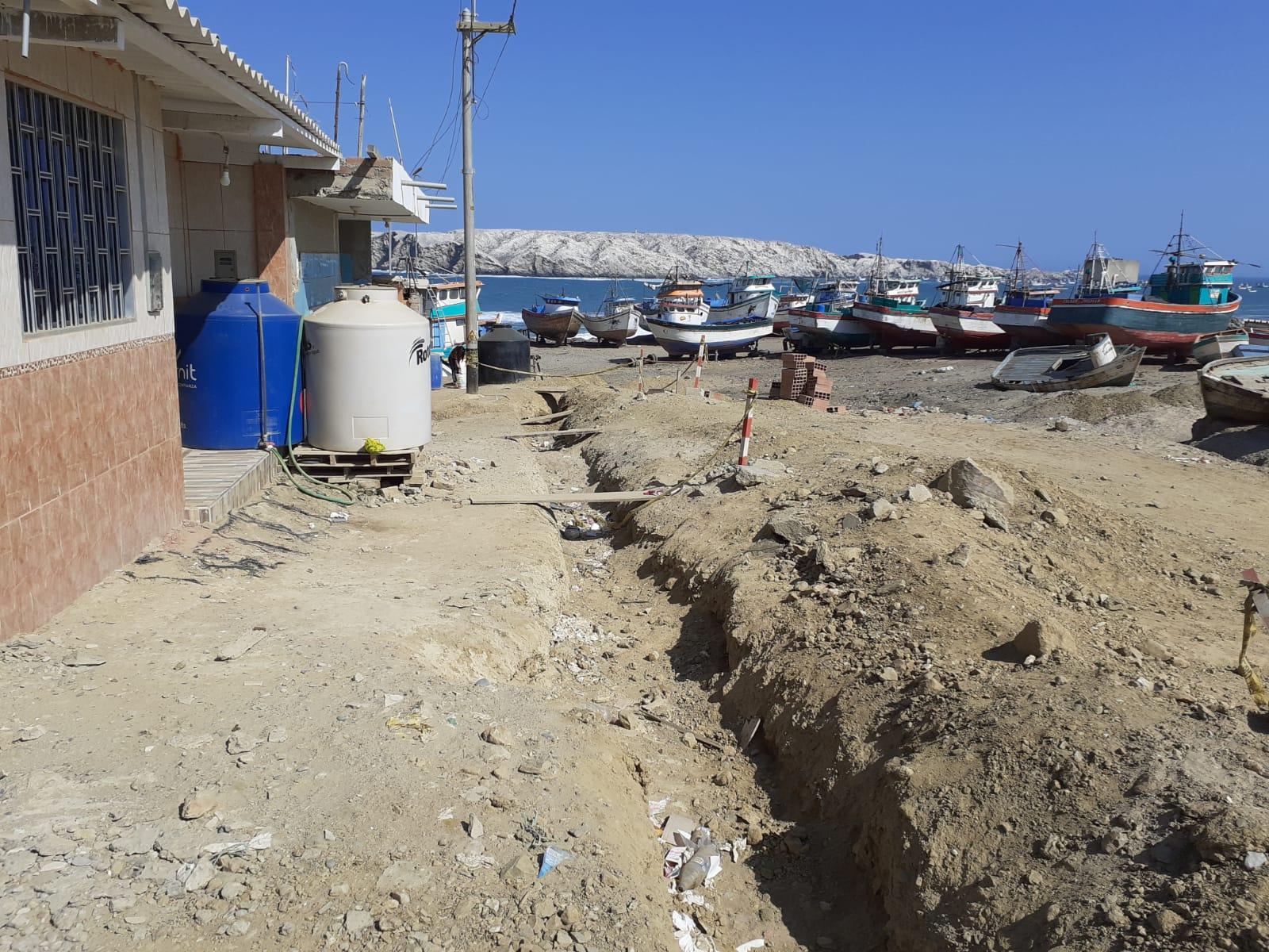 Pobladores de La Tortuga y La Islilla preocupados por obra de agua potable.